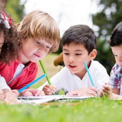 Educare i figli. E se scegliessimo una scuola alternativa?