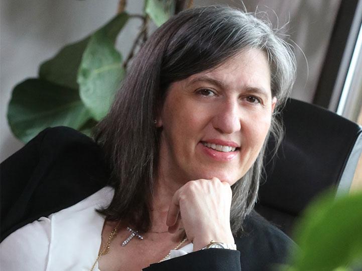 Barbara Pinton